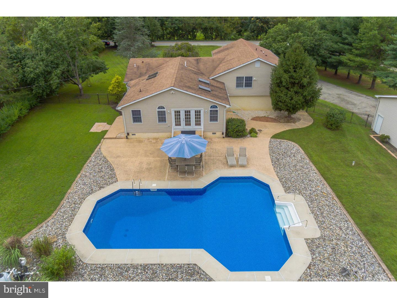 단독 가정 주택 용 매매 에 374 RUSSELL MILL Road Swedesboro, 뉴저지 08085 미국
