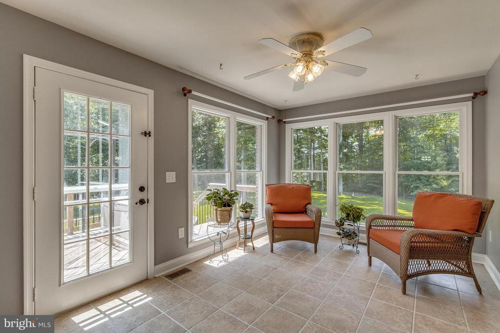 Rear Sunroom for reading and  relaxing - 15 BEAVER RIDGE RD, STAFFORD