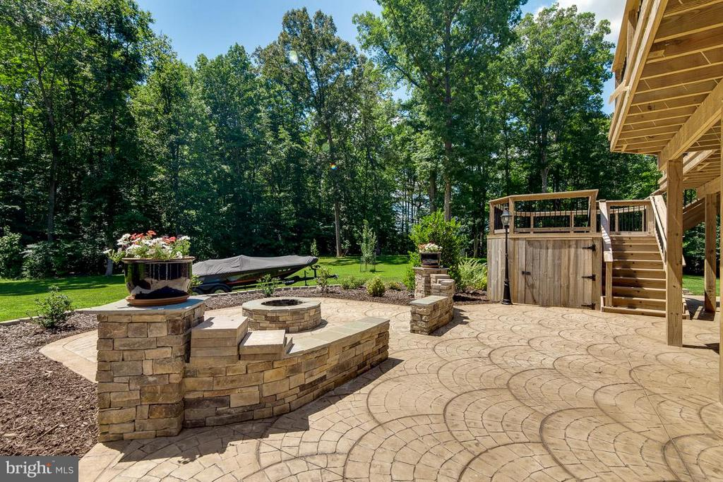 Stamped Concrete Patio with Firepit - 15 BEAVER RIDGE RD, STAFFORD