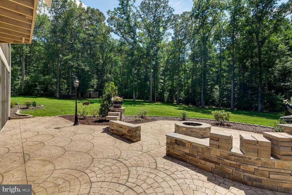 Huge Backyard for Games ,Gardening, &  Pool - 15 BEAVER RIDGE RD, STAFFORD