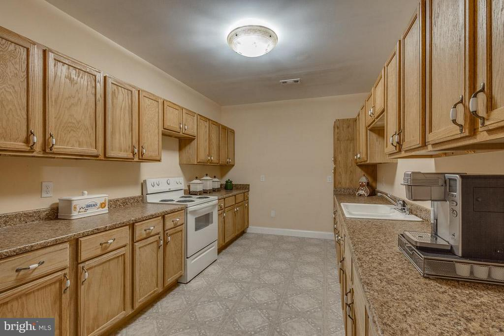 Basement Kitchen  for Guests, In-laws, or Renters - 15 BEAVER RIDGE RD, STAFFORD