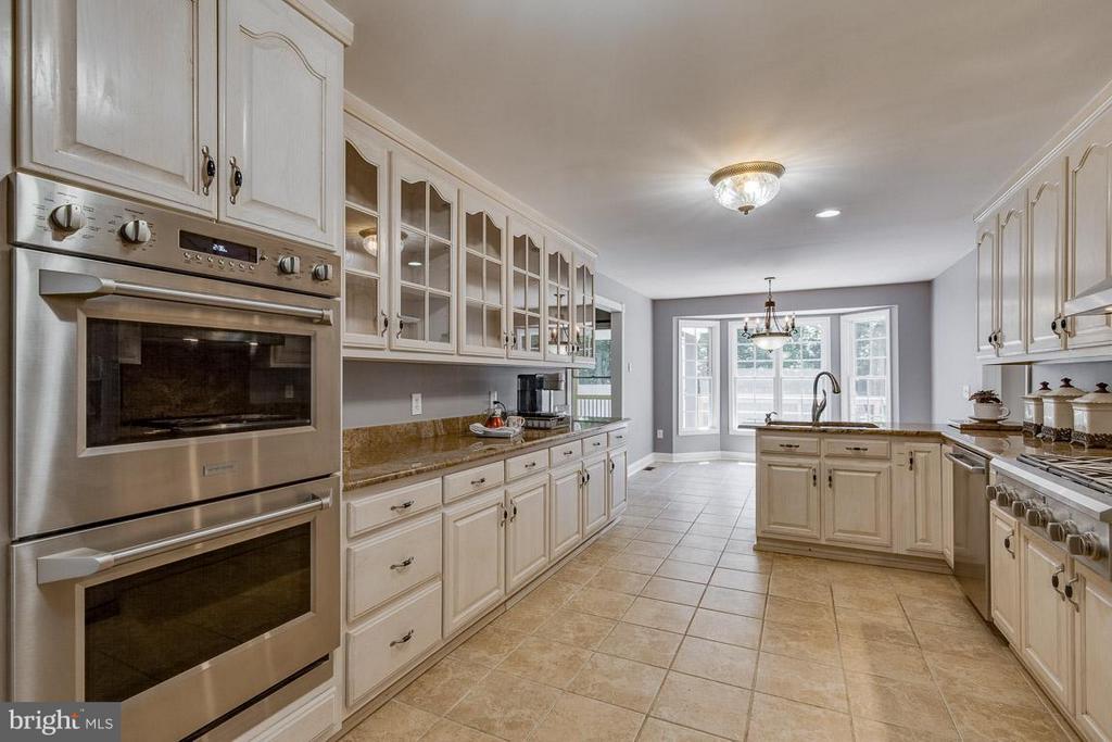 Beautiful Galley Kitchen with Granite - 15 BEAVER RIDGE RD, STAFFORD