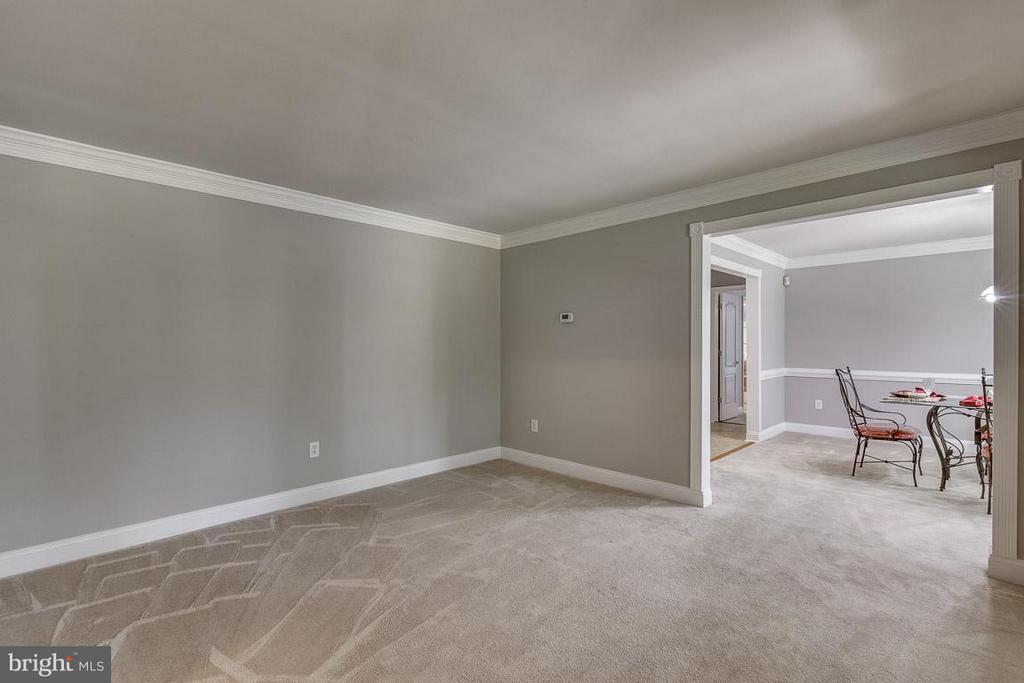 Living Room - 15 BEAVER RIDGE RD, STAFFORD