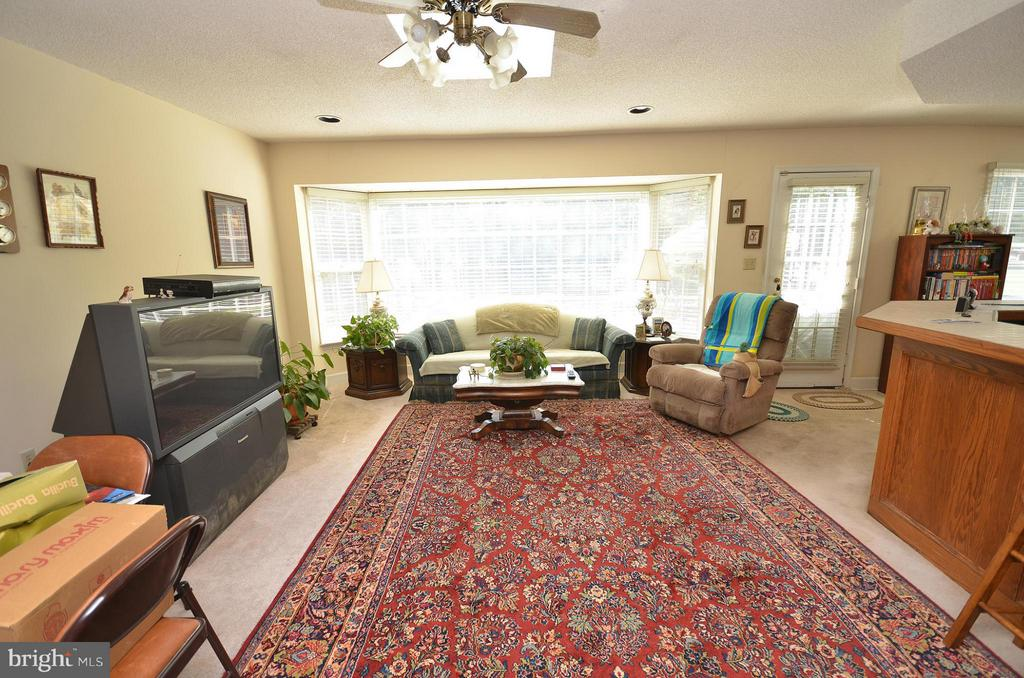 Family Room - 181 FAIRWAY DR, CHARLES TOWN