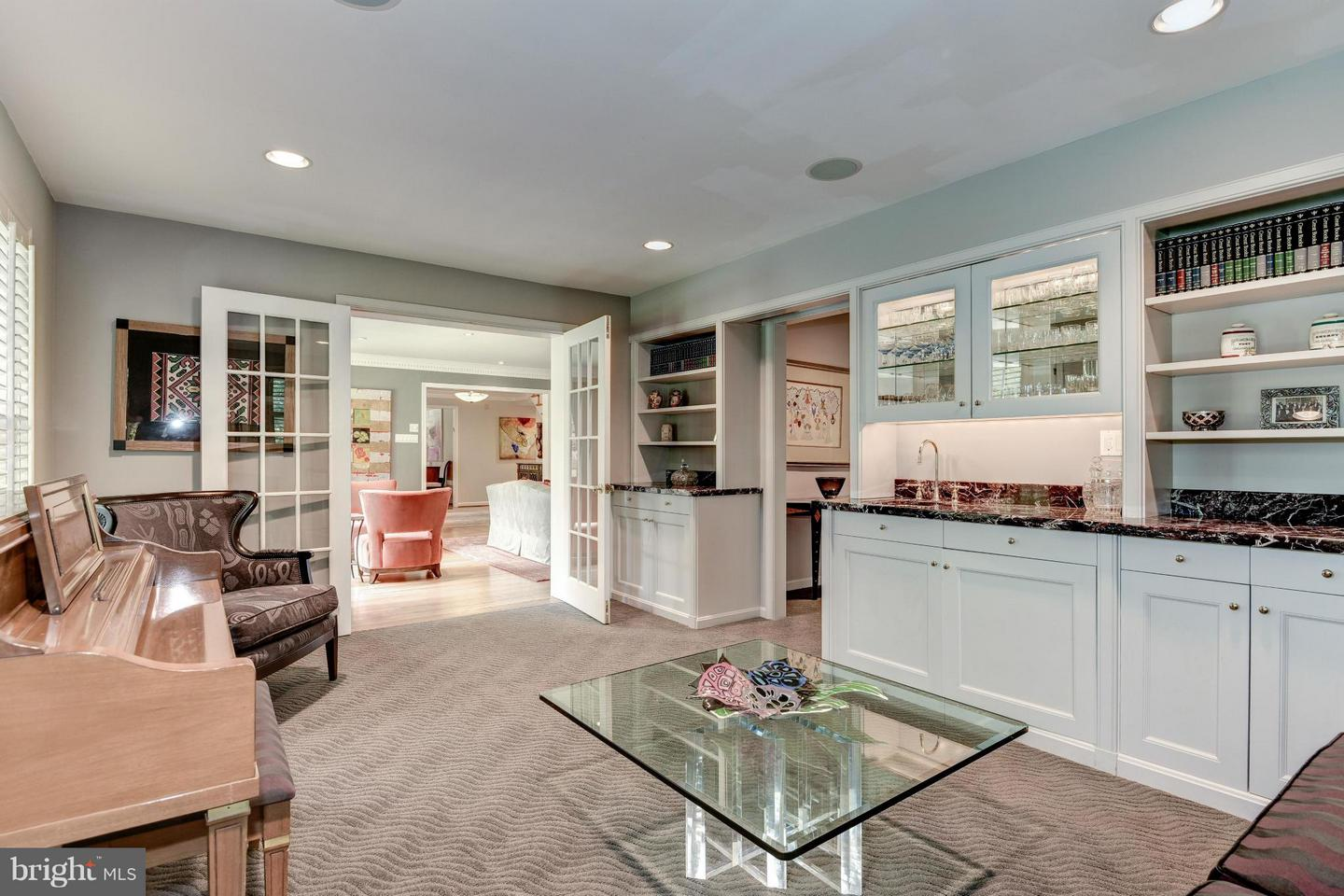 Travis Fleisher Real Estate Associate in Chevy Chase