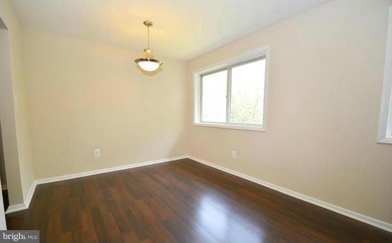 Living Room - 5101 8TH RD S #403, ARLINGTON