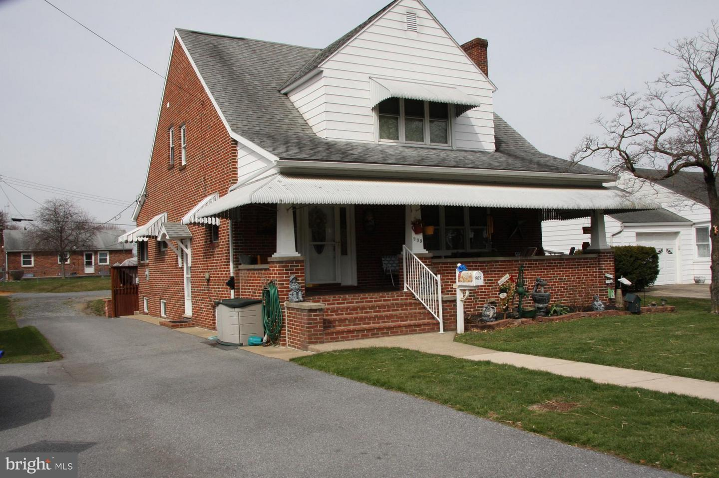 Single Family for Sale at 909 Frederick St Hagerstown, Maryland 21740 United States