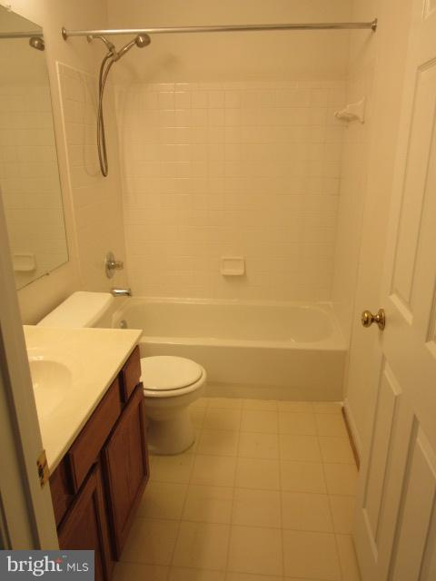 Bath (Master) - 43142 GATWICK SQ, ASHBURN