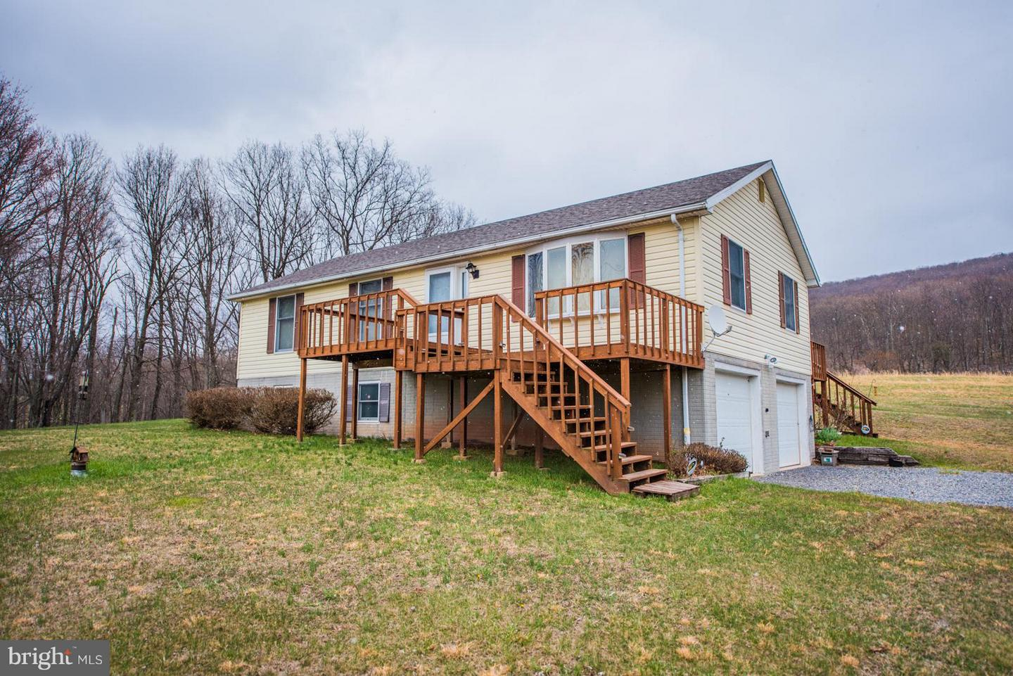 Farm for Sale at 275 Lees Ln Paw Paw, West Virginia 25434 United States