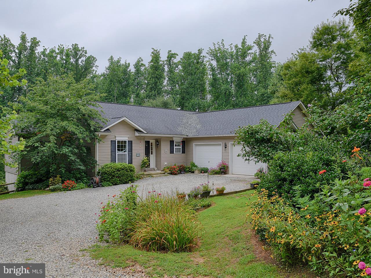 Single Family for Sale at 327 Deerwood Ct Roseland, Virginia 22967 United States