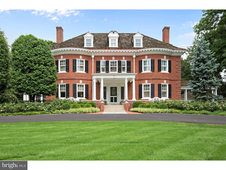 Maison unifamiliale pour l Vente à 215 E CENTRAL Avenue Moorestown, New Jersey 08057 États-Unis