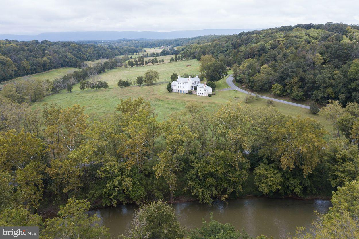 Farm for Sale at 2748 Zion Church Rd Maurertown, Virginia 22644 United States