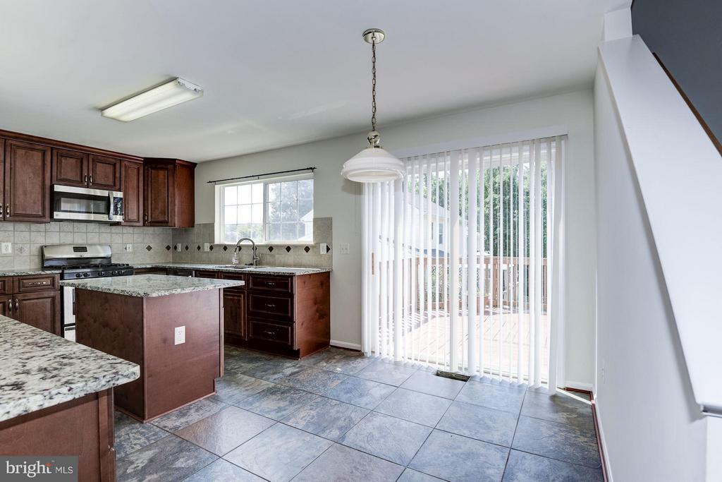 Kitchen - 9210 CYNTHIA ST, MANASSAS PARK