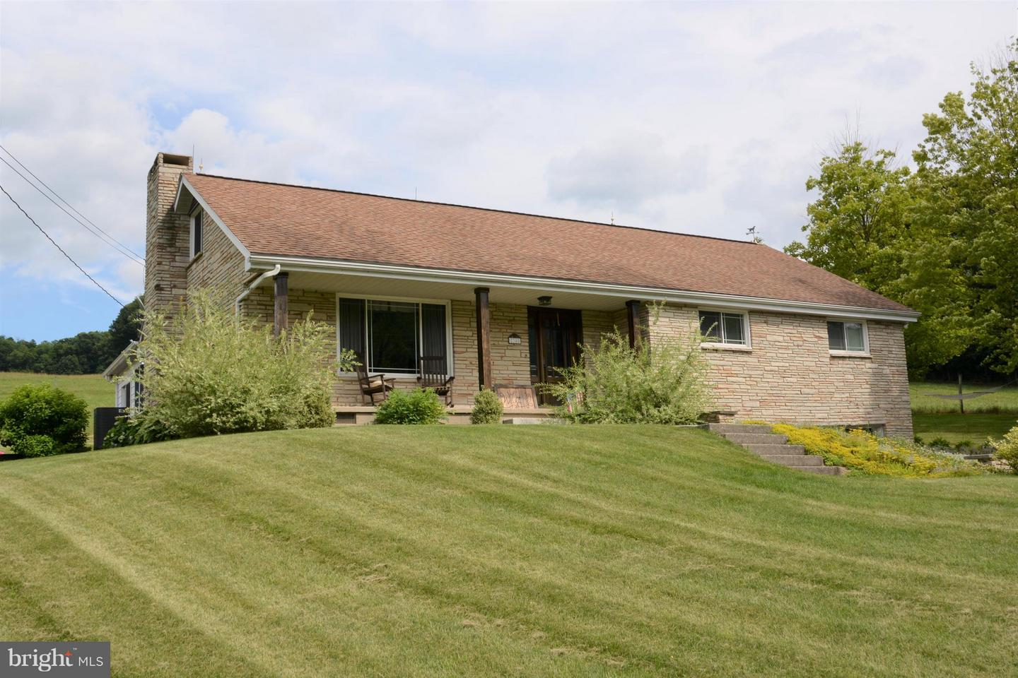 Single Family for Sale at 2348 Raystown Road Everett, Pennsylvania 15537 United States