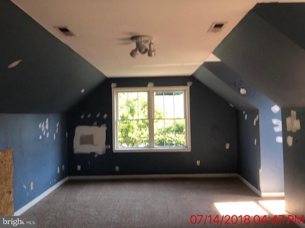 Bonus Room Upstairs - 5407 OAKS AVE S, FREDERICKSBURG