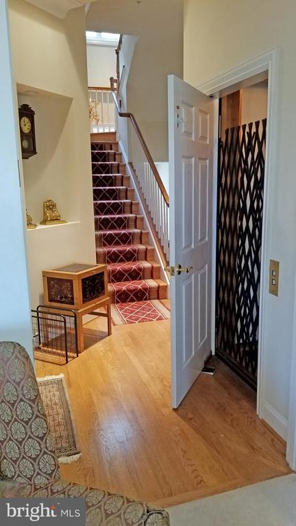Elevator to Master Suite - 1408 N MEADE ST, ARLINGTON