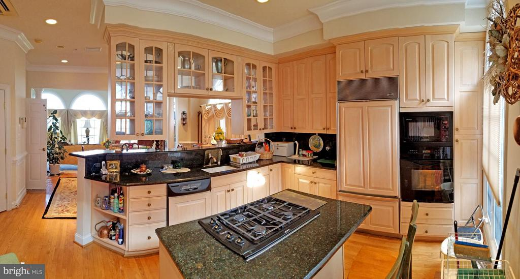 Kitchen - 1408 N MEADE ST, ARLINGTON