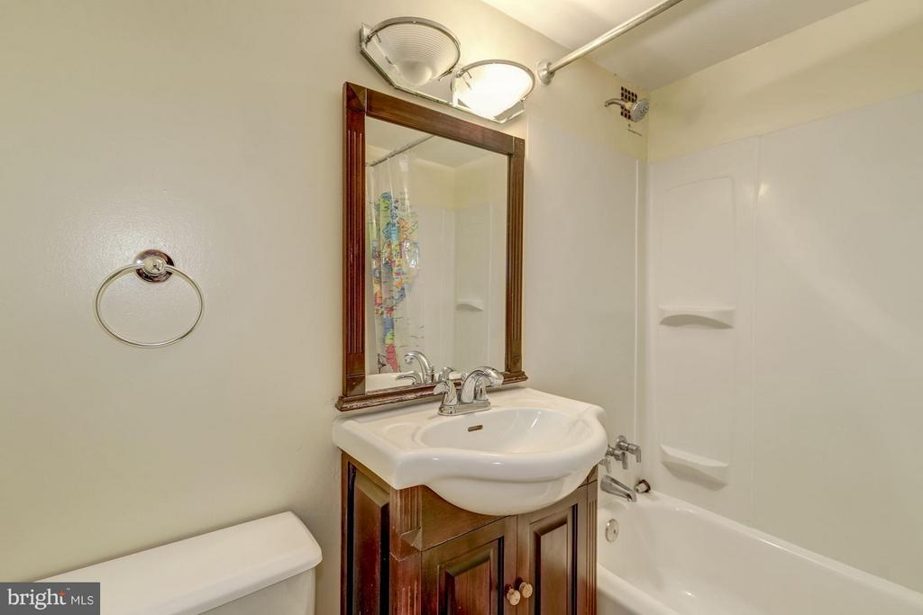 Bath - 1260 21ST ST NW #510, WASHINGTON