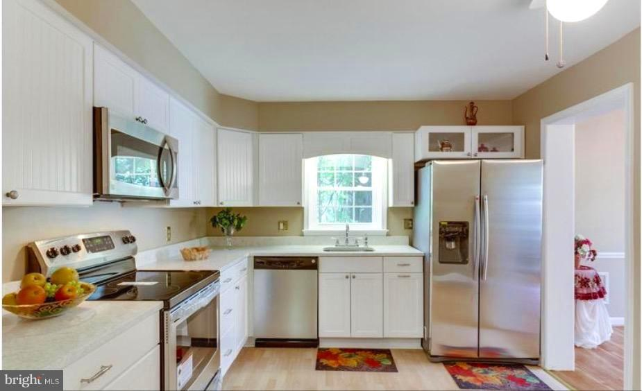 NEW KITCHEN, CABINETS , COUTERTOP,  SS APPLIANCES - 7340 ELDORADO CT, MCLEAN