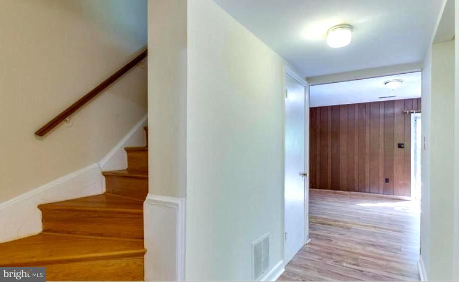 STEPS TO LOWER LEVEL, NEW PARQUE FLOORS ON LOWER - 7340 ELDORADO CT, MCLEAN
