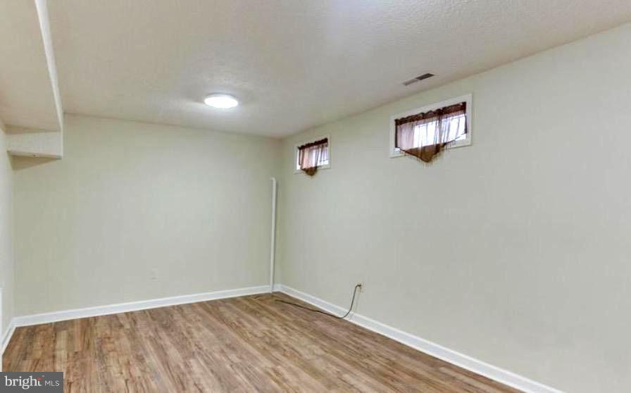 DEN-OFFICE OR 4TH BEDROOM, LOWER LEVEL, FULL BATH - 7340 ELDORADO CT, MCLEAN