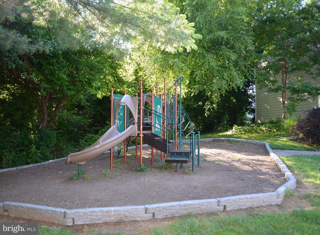 Several Neighborhood playgrounds a minute away - 20209 THUNDERHEAD WAY, GERMANTOWN