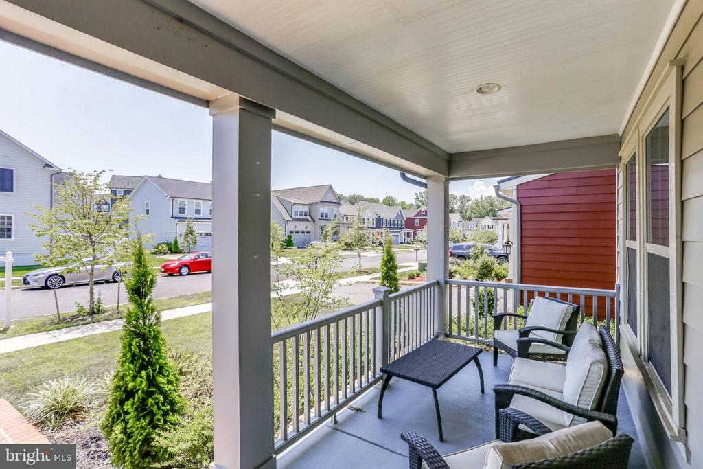 Nice & relaxing Porch - 2424 GLOUSTER POINTE DR, DUMFRIES