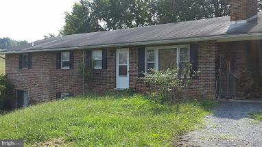 Single Family for Sale at 2508 Graveltown Rd Quicksburg, Virginia 22847 United States