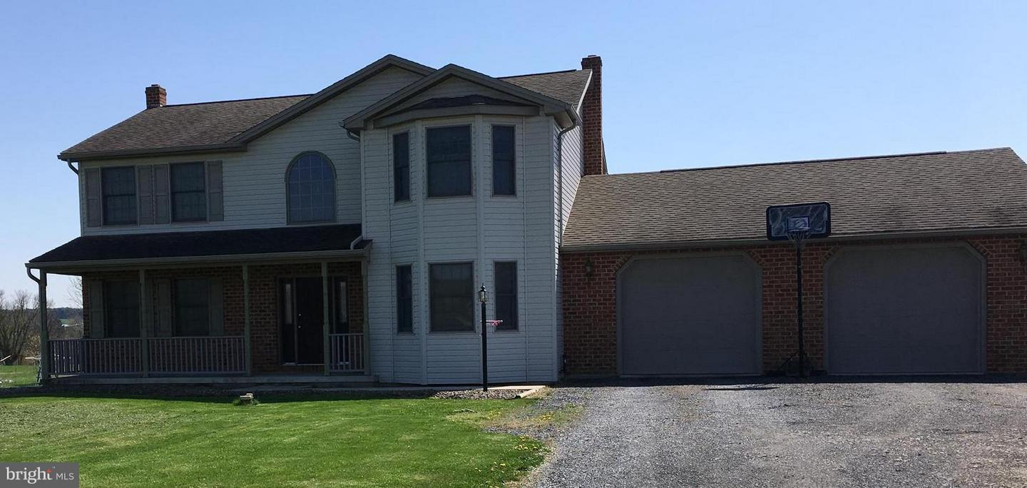 Single Family for Sale at 8614 Peiper Rd Shippensburg, Pennsylvania 17257 United States