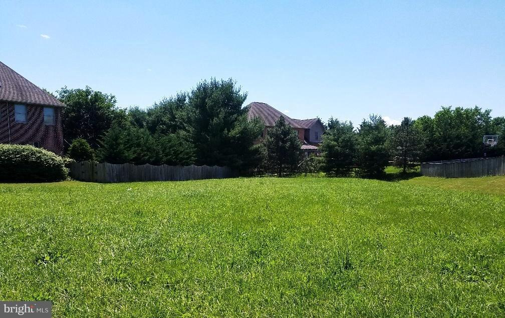 Photo of home for sale at 19025 Rock Maple Drive, Hagerstown MD