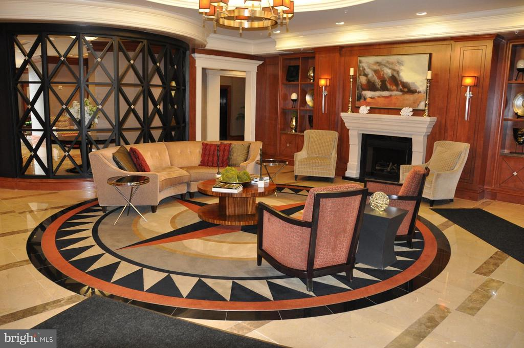 Lobby - 8220 CRESTWOOD HEIGHTS DR #203, MCLEAN