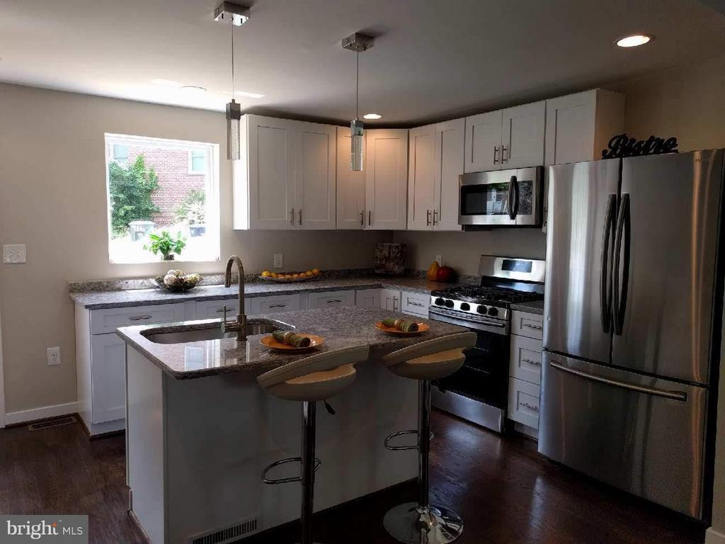 Kitchen - 5144 S DAKOTA AVE NE, WASHINGTON