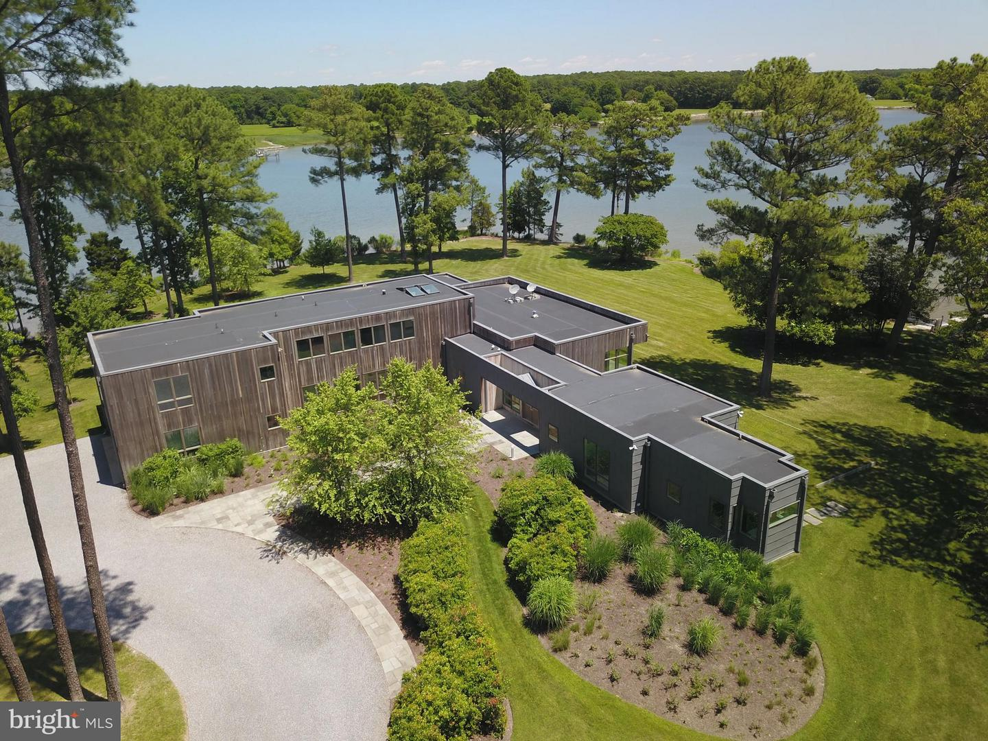 Single Family for Sale at 24101 Deep Neck Rd Royal Oak, Maryland 21662 United States