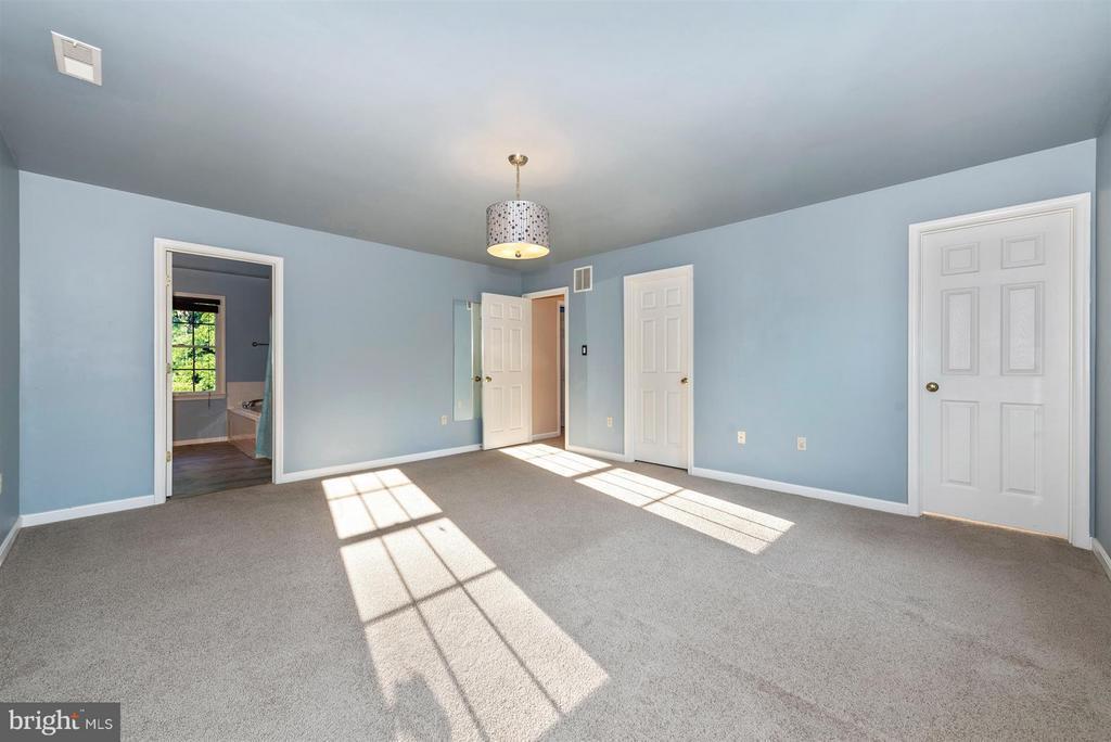 Bedroom (Master) - 105 DEERWOODS PL, MYERSVILLE