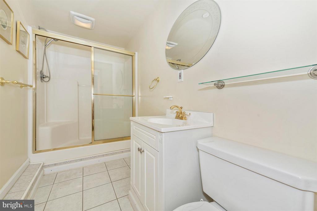 Bath - 105 DEERWOODS PL, MYERSVILLE