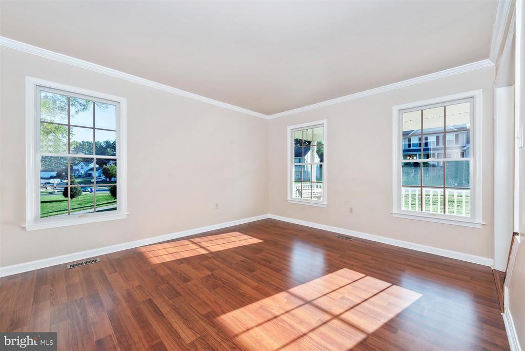 Living Room - 105 DEERWOODS PL, MYERSVILLE