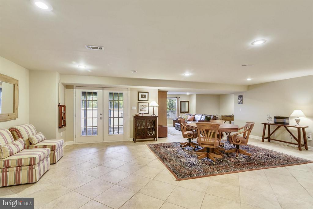 Recreation Room with walk out to back patio - 1338 RED HAWK CIR, RESTON