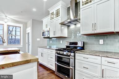 Gourmet Kitchen - 2700 PARK MILLS RD, ADAMSTOWN