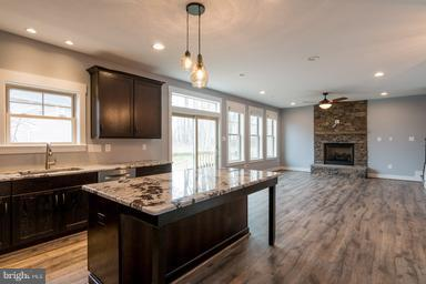 Gourmet Kitchen open to Family Room - 2650 PARK MILLS RD, ADAMSTOWN