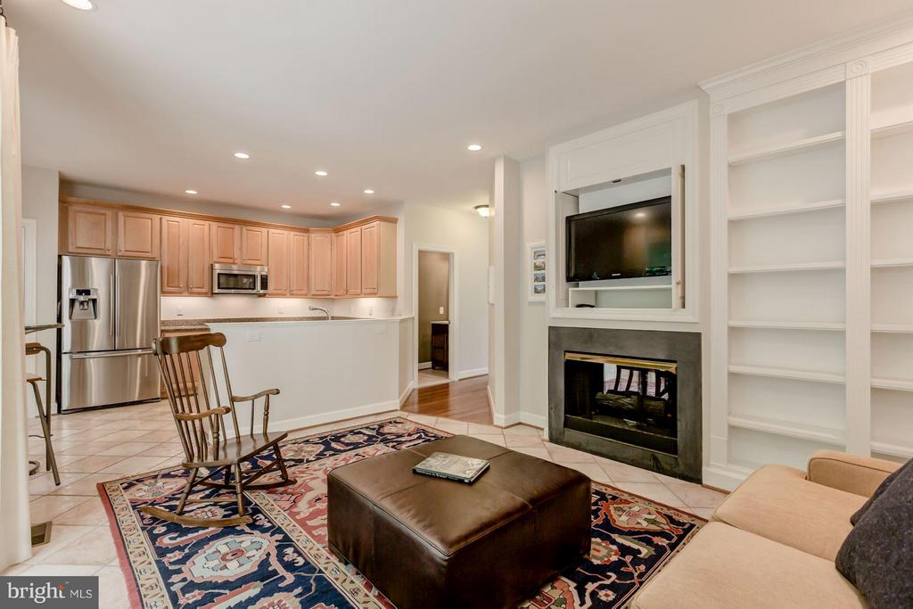 Family Room - 1680 WATERHAVEN DR, RESTON