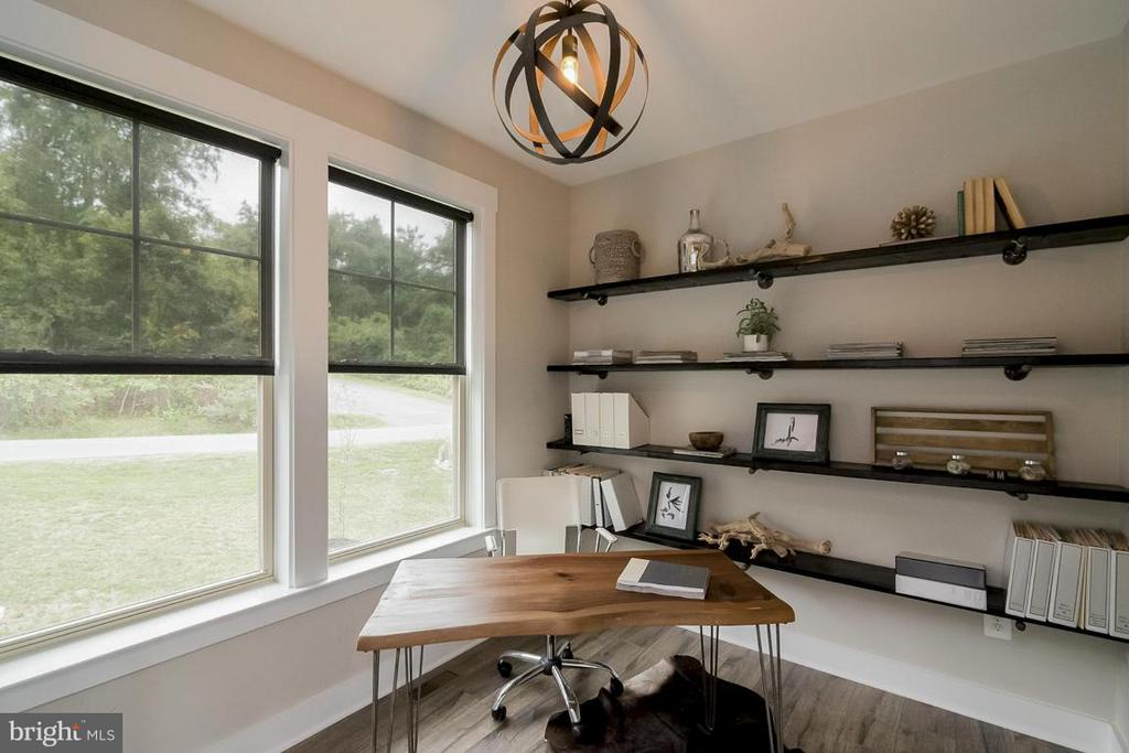 Example of Flex room / office / dining - 6718 OAKRIDGE RD, NEW MARKET