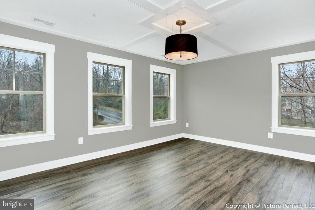 Example: Bedroom (Master) - 6718 OAKRIDGE RD, NEW MARKET