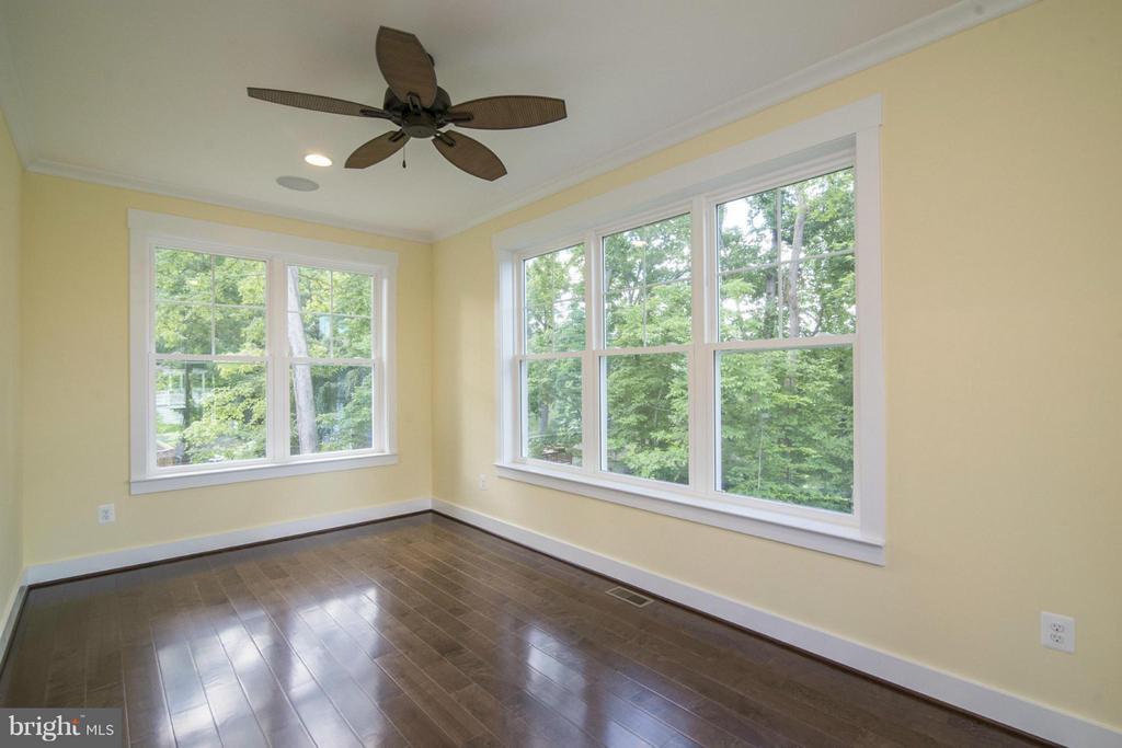 Example: Bedroom - 6718 OAKRIDGE RD, NEW MARKET