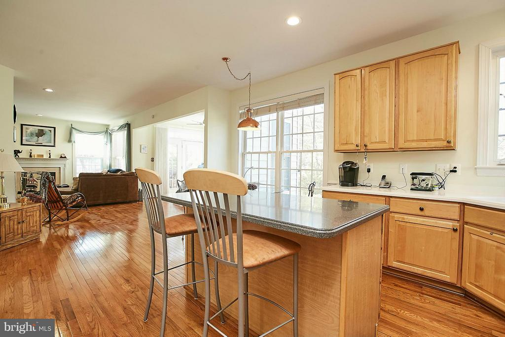Kitchen - 3814 HIGHLAND OAKS DR, FAIRFAX