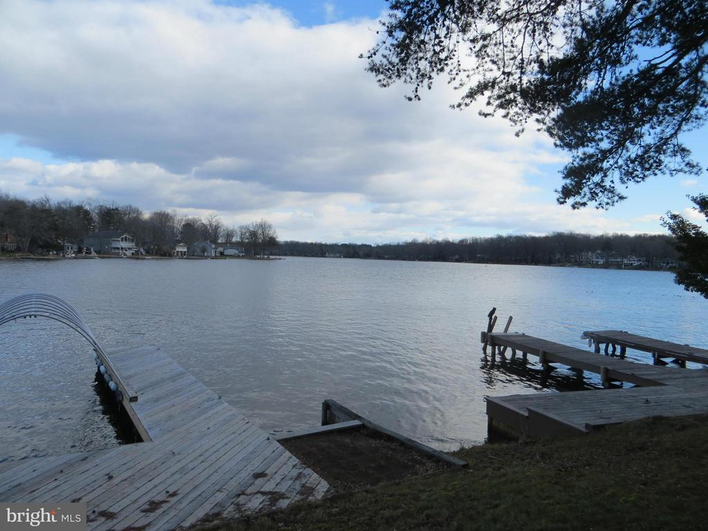 wide lake views across the 550acre lake - 518 HARRISON CIR, LOCUST GROVE
