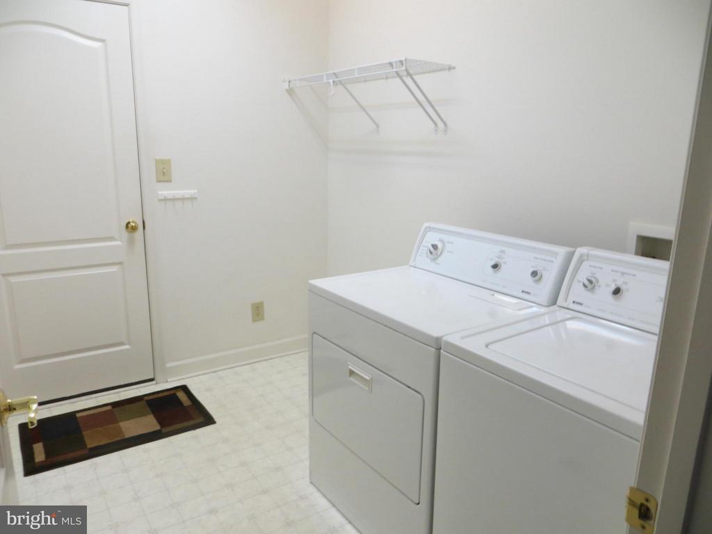 Separate Laundry Room - 518 HARRISON CIR, LOCUST GROVE