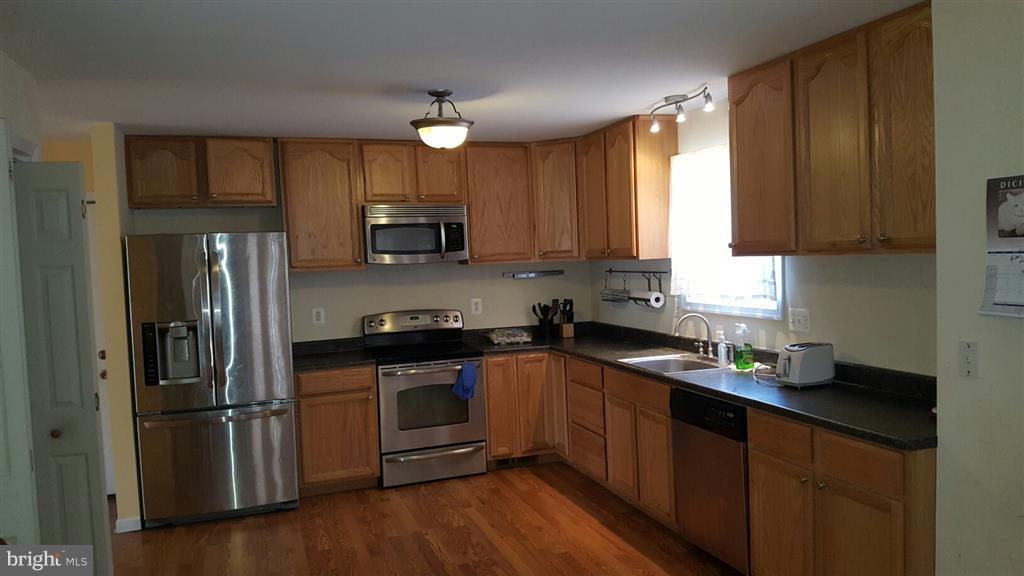 Kitchen - 3940 ORANGE ST, TRIANGLE