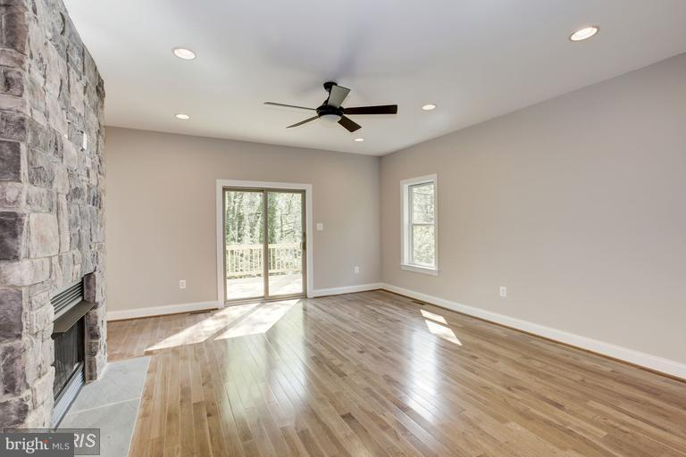 Family Room - 6809 ALPINE DR, ANNANDALE