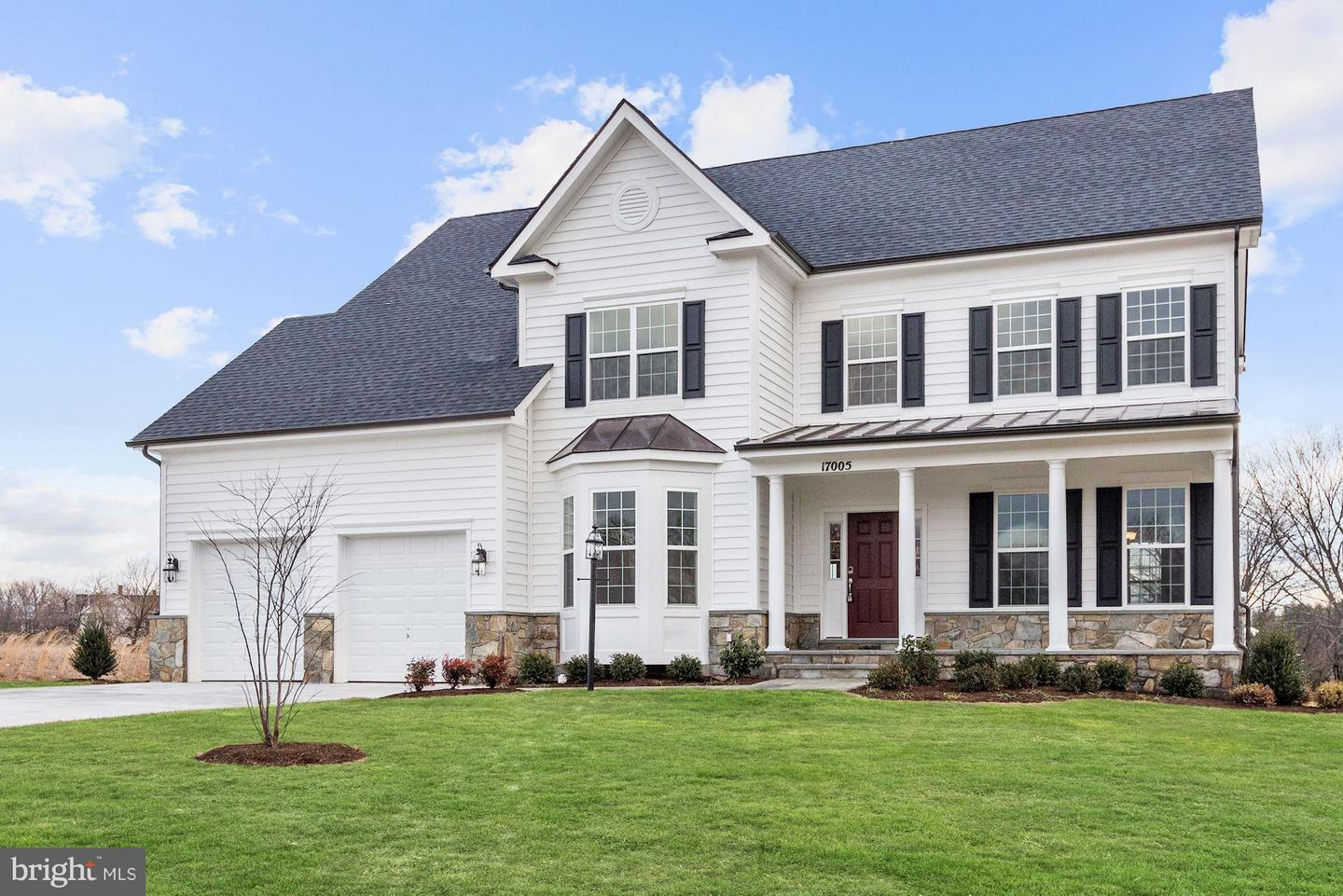 Photo of home for sale at 17005 Bennett Way, Poolesville MD