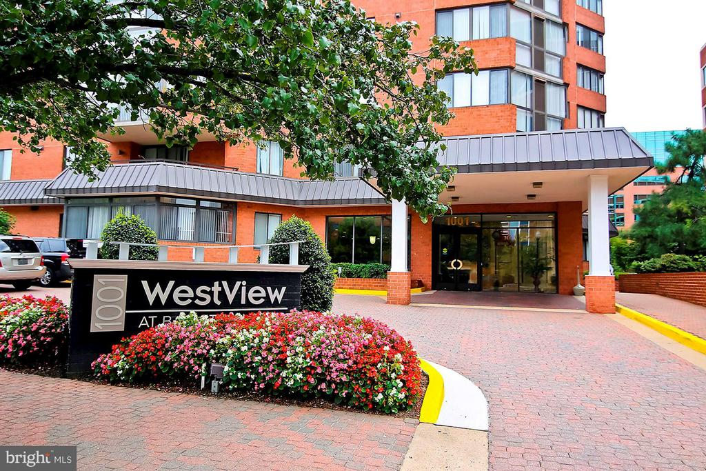 WELCOME TO WESTVIEW AT BALLSTON METRO! - 1001 VERMONT ST N #710, ARLINGTON